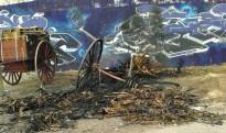 Cremen dos carros que havien de sortir als Tres Tombs de Valls