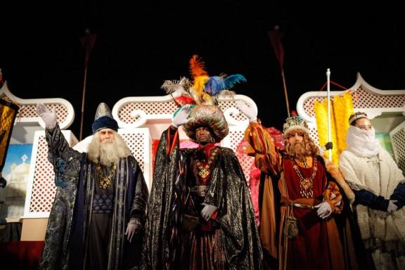 Els Catòlics fa 70 anys que organitzen l'arribada dels Reis de l'Orient a Olot