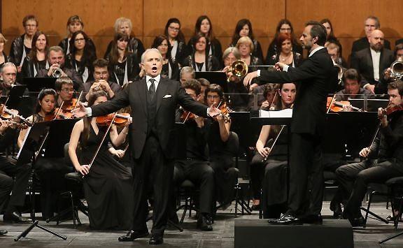 Josep Carreras posa la cirereta a la Capital de la Sardana 2014