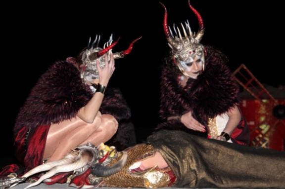 El Rei Carnestoltes de Sitges queda socarrimat després d'una setmana de bogeria i descontrol