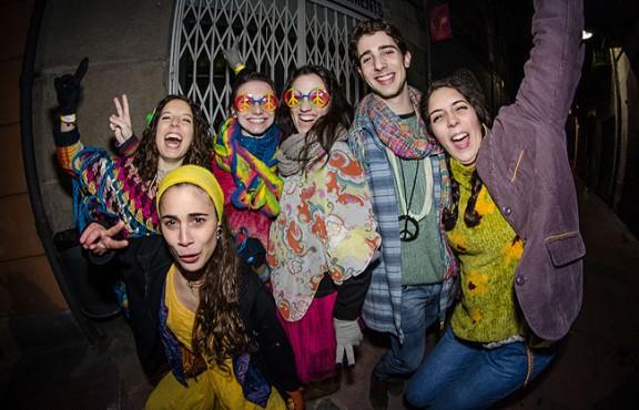 Els «hippies» inicien el Carnestoltes de Ripoll
