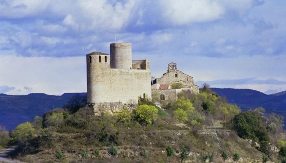Vista general del Castell de Mur i l'església de Santa Maria de Mur