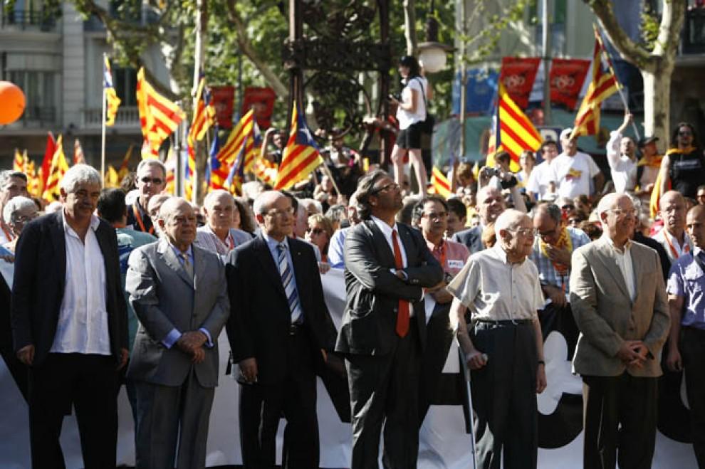 Tots els presidents vius del Parlament i la Generalitat a la manifestació del 10-J a Barcelona.