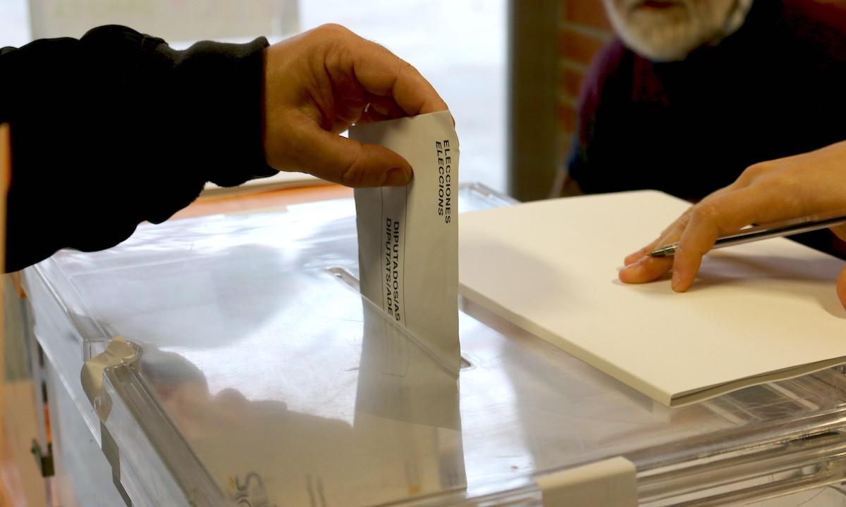Un vot a l'escola Teresa Claramunt.