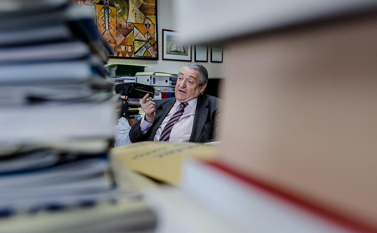Manuel Milián Mestre, al seu despatx de Foment del Treball