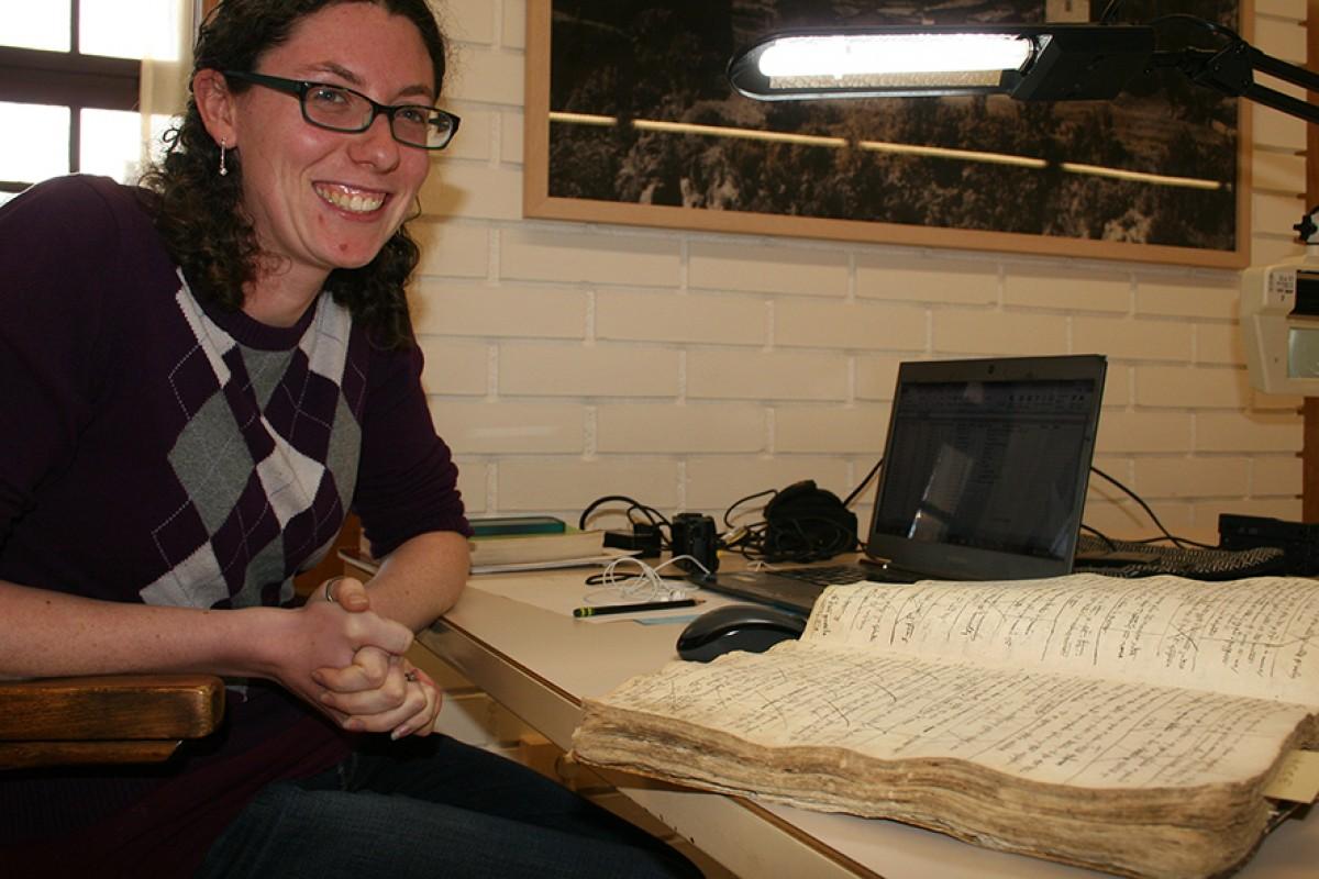 Elizabeth Comuzzi, aquesta setmana a l'Arxiu Comarcal de la Cerdanya