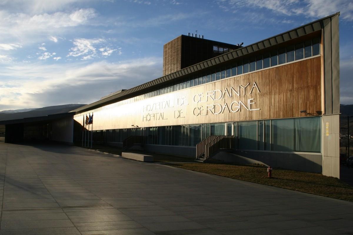 Façana de l'Hospital de la Cerdanya.