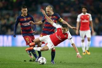 El Barça sua amb l'Arsenal però certifica el pas a quarts de Champions (3-1)