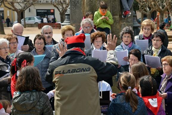 Les populars cantades de caramelles a Catalunya, en un recull d'imatges