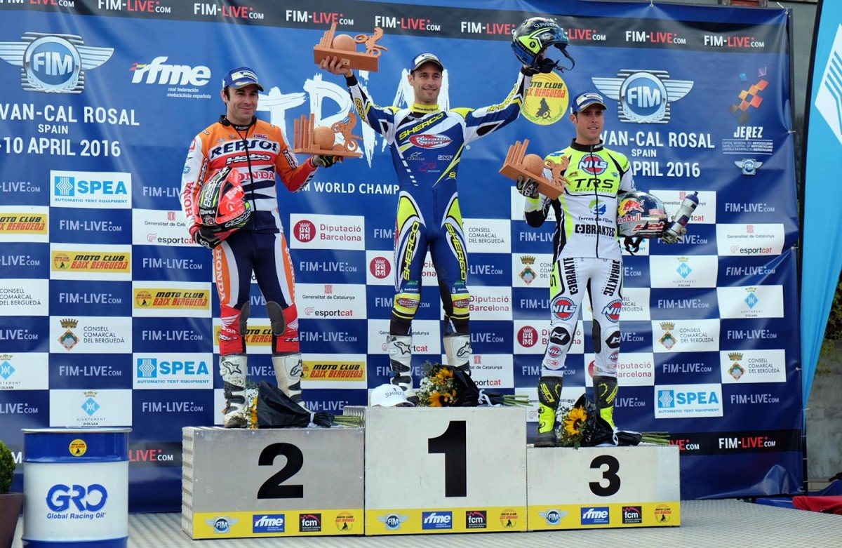 Podi amb els guanyadors de la primera prova del Mundial de Trial de Cal Rosal.