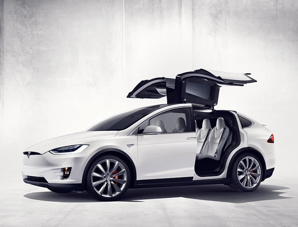 Model X, el totcamí elèctric
