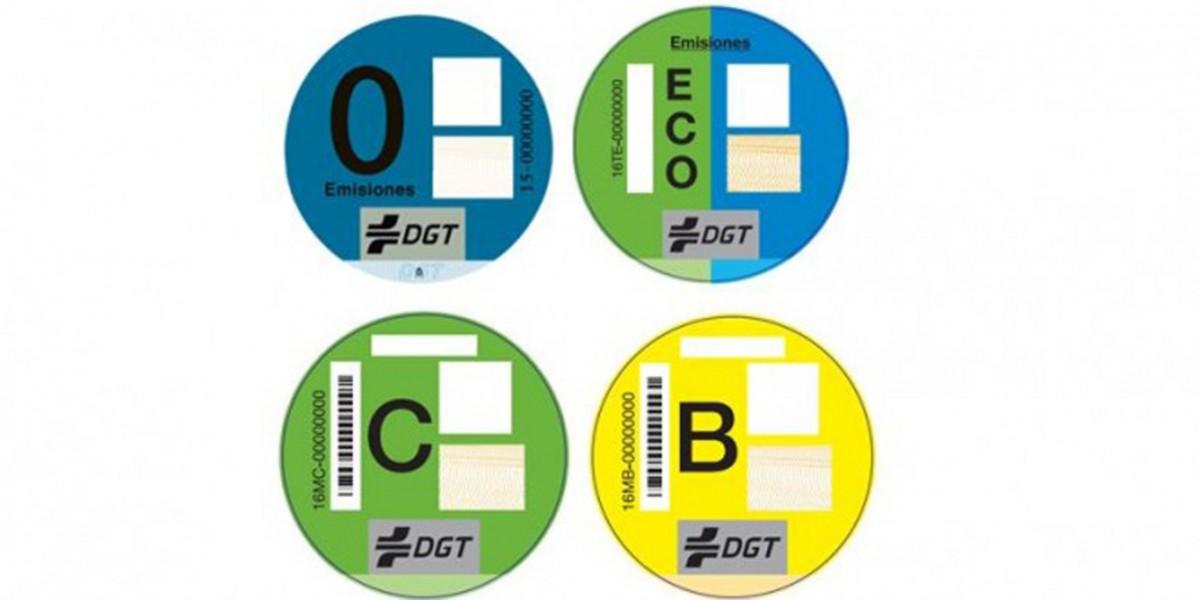La DGT classificarà les emissions del nostre cotxe amb nous adhesius