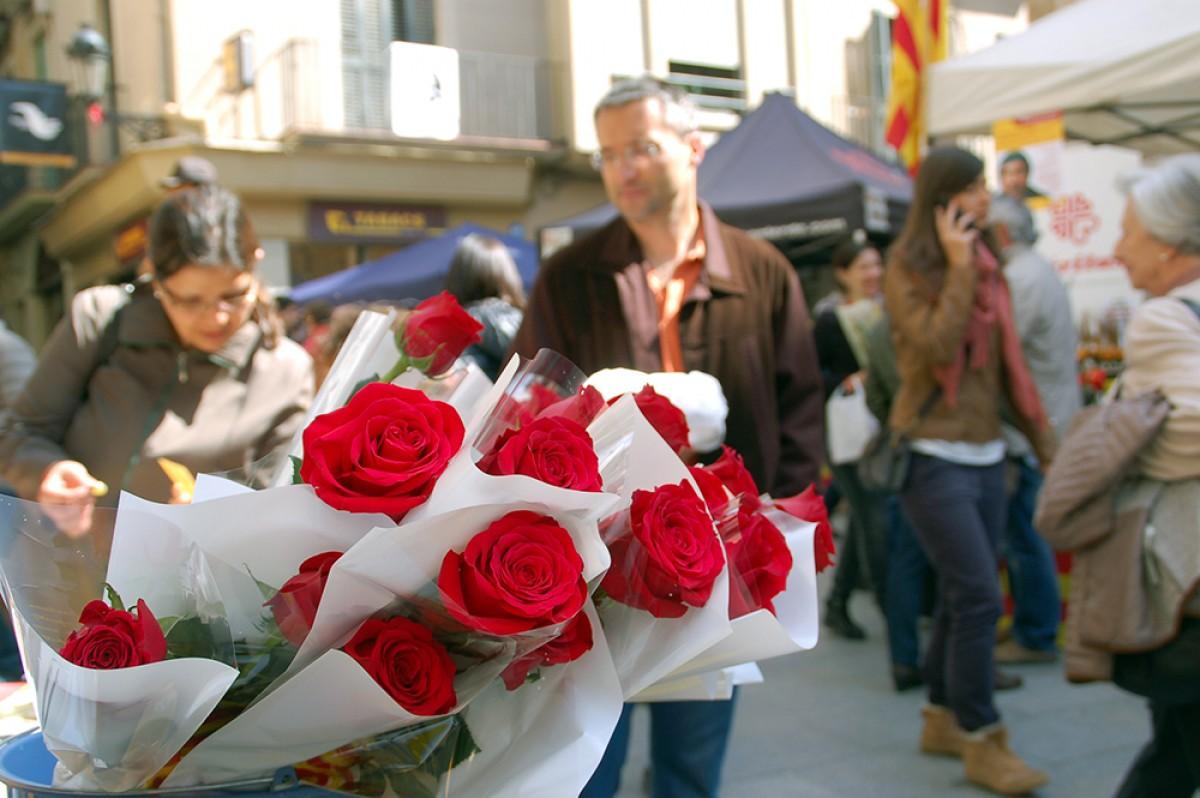 Una parada de venda de roses aquest Sant Jordi a Berga.