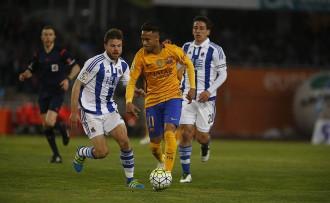 Continua la maledicció d'Anoeta i el Barça es complica la Lliga (1-0)