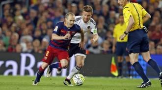 El Barça cau a casa contra el València i posa en perill la Lliga (1-2)
