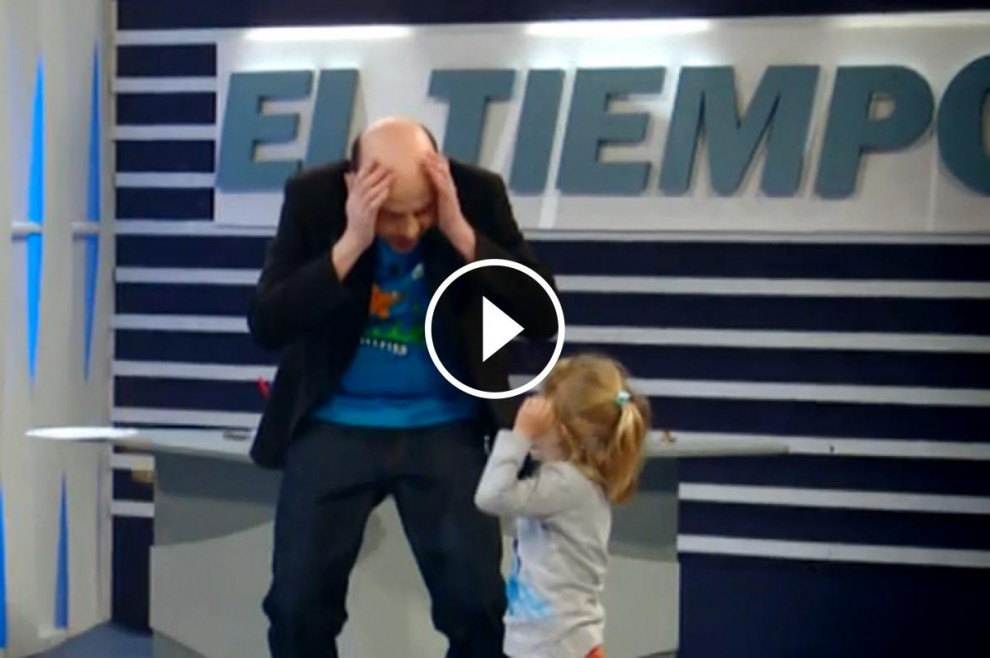 El col·laborador del programa «El Hormiguero» amb un infant durant la càmera oculta