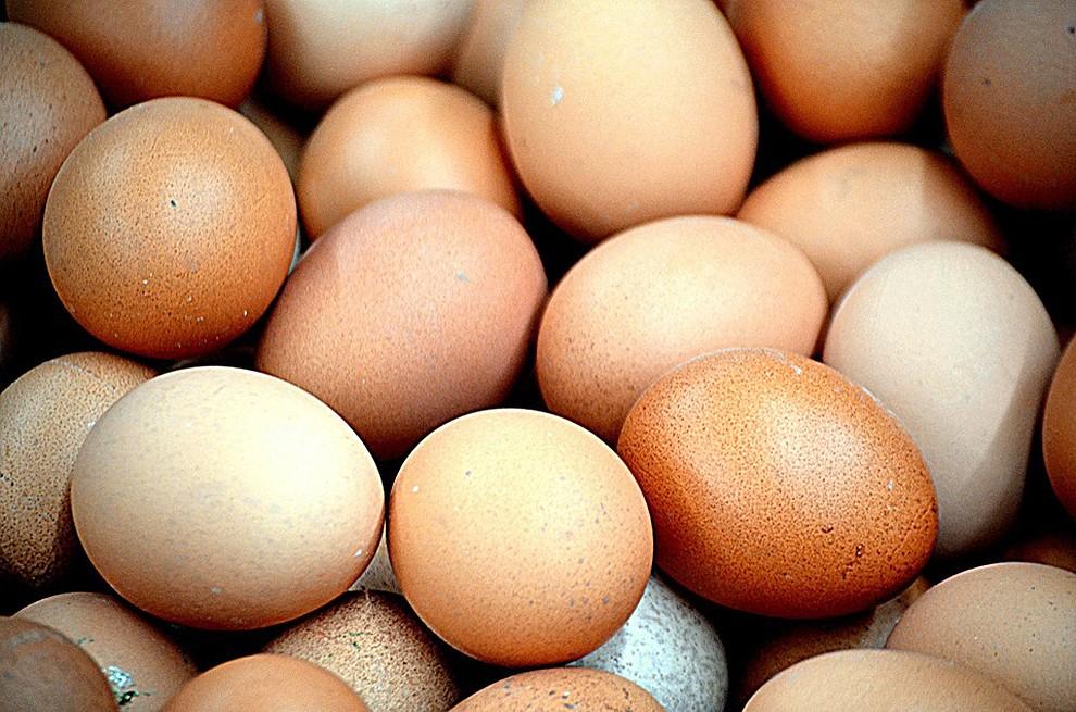 Uns quants ous al mercat