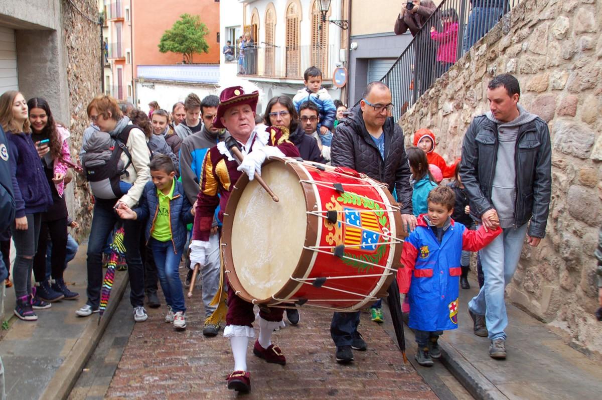Sortida del Tabal, amb Carles Prat, pel barri vell de Berga, just abans de començar a ploure.