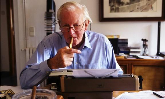 Tom Sharpe: «Escric comèdia per espantar la depressió»