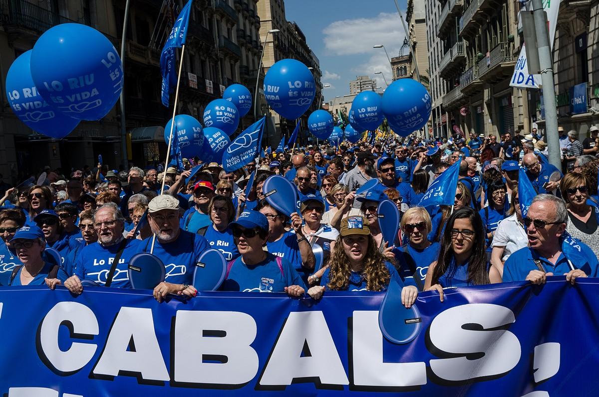 Manifestació organitzada per la Plataforma en Defensa de l'Ebre a Barcelona  el 5 de Juny del 2016