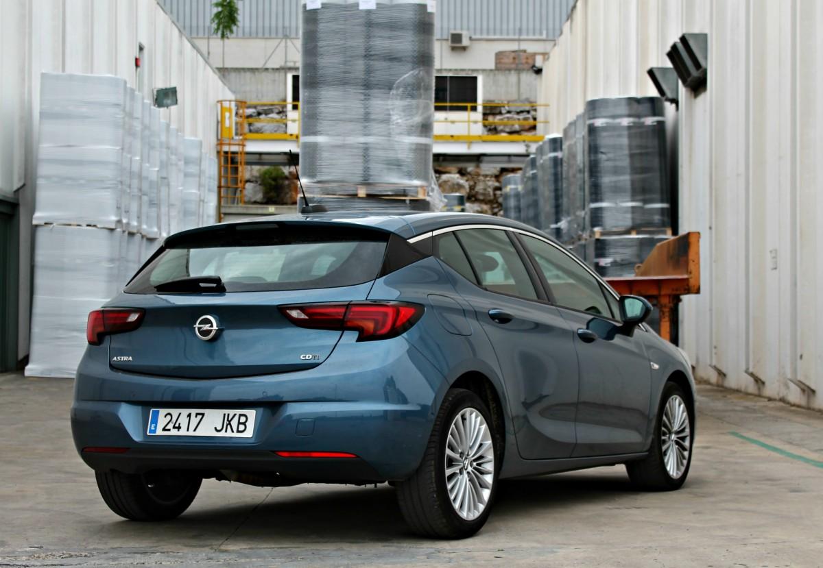 Opel Astra 2016, el líder de vendes i cotxe de l'any a Europa
