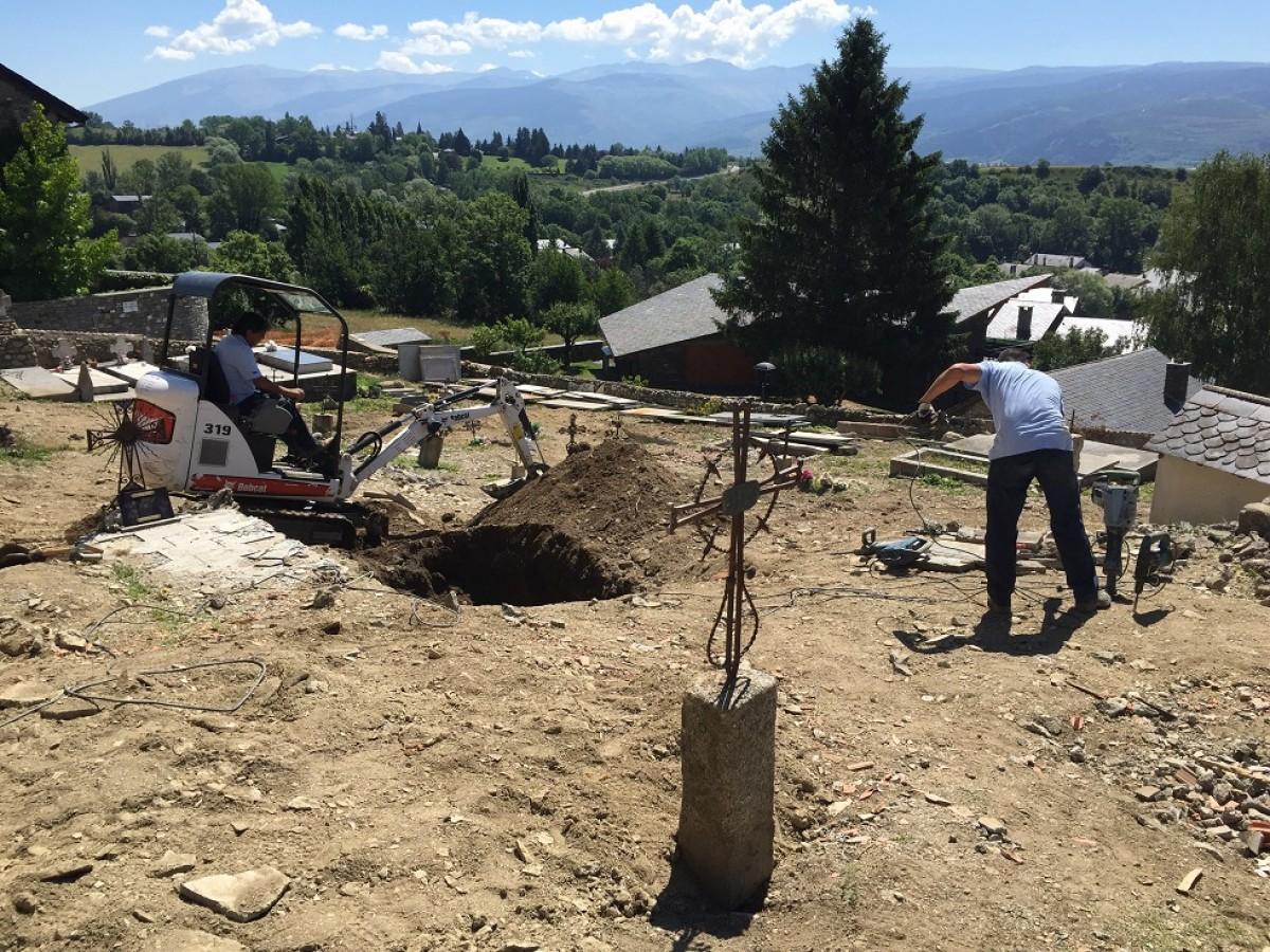 Una empresa funerària està efectuant les obres del trasllat al nou cementiri de Talltorta