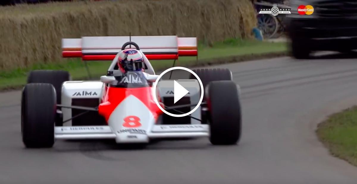 Jenson Button pilota el McLaren-Honda de Niki Lauda