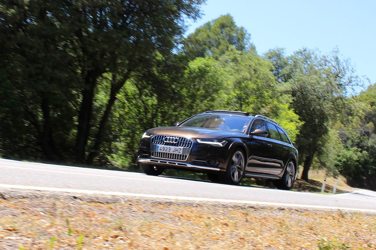 L'Audi A6 AllRoad avança imparable sobre qualsevol terreny