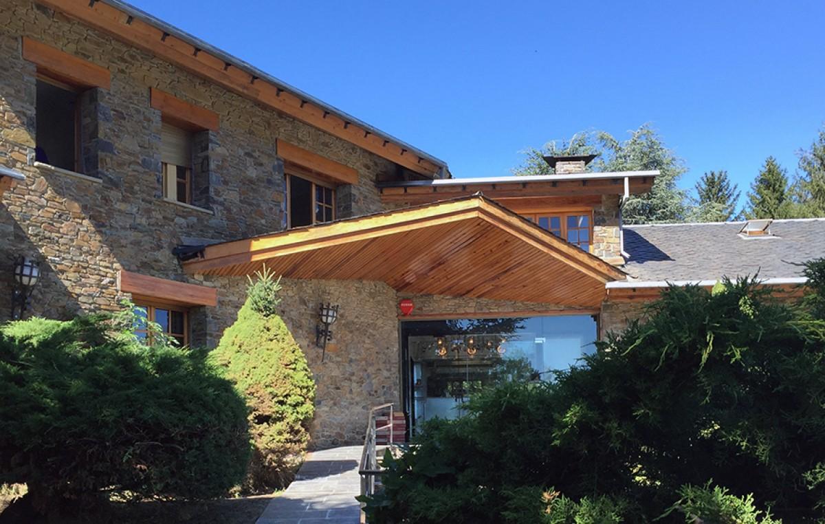 L'accés principal al restaurant bEAuTy de Llívia
