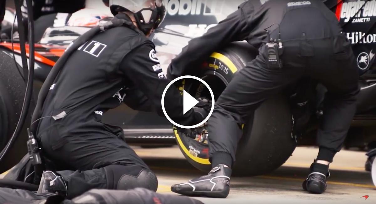 L'escuderia McLaren mostra com es fa un canvi de gomes
