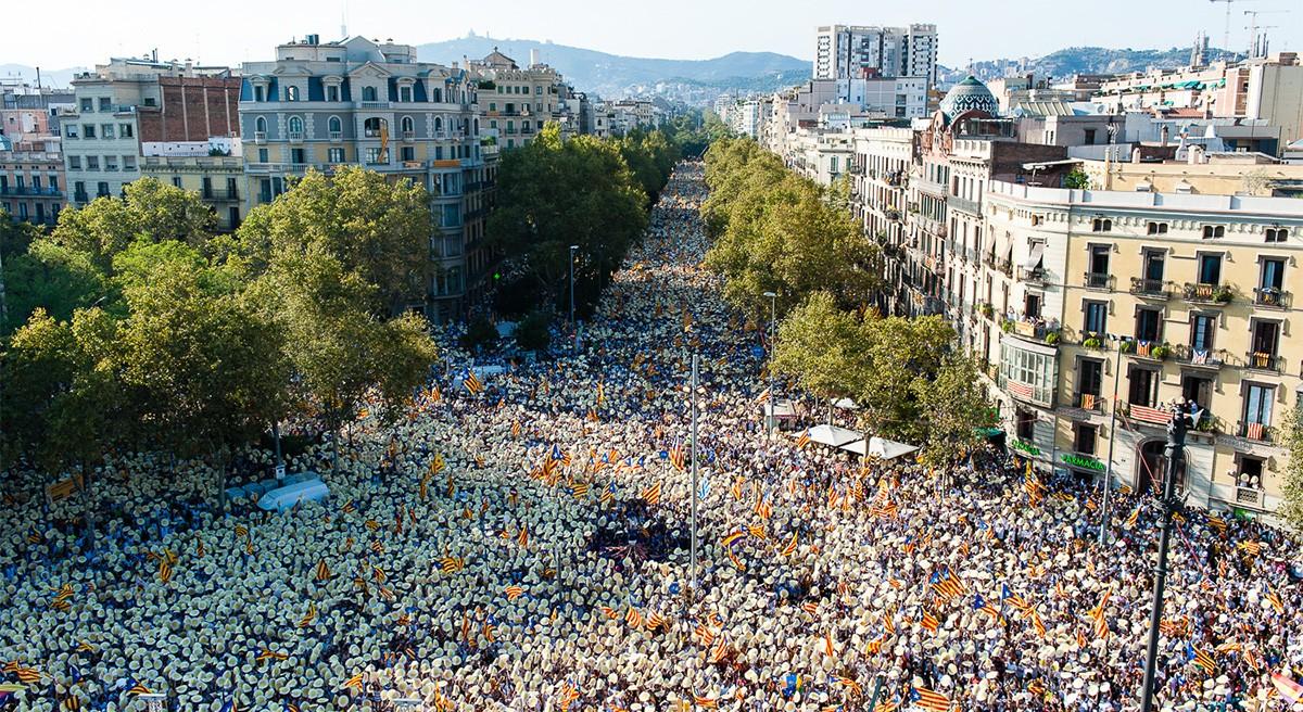 Manifestació massiva a Barcelona per la independència