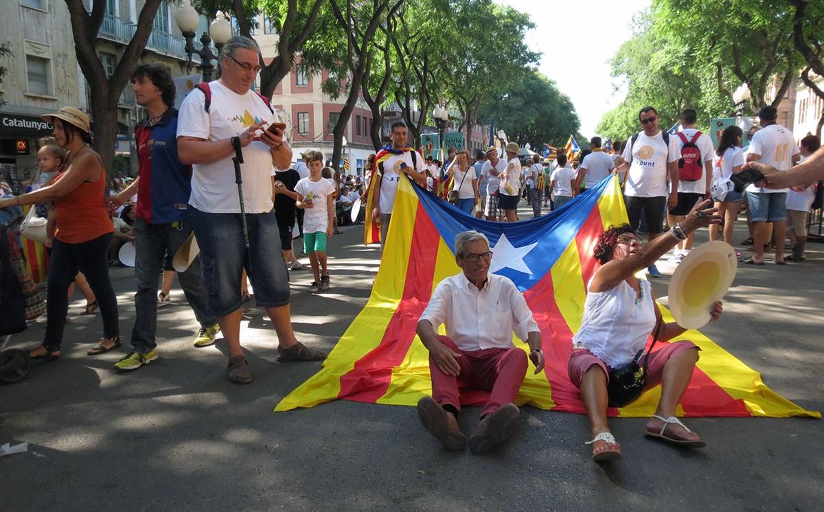 L'ambient festiu, ple de música i gresca, ha presidit la Diada arreu de Catalunya.