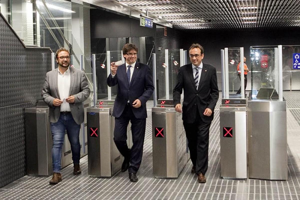 L'alcalde de Sabadell, Juli Fernàndez, amb el president Carles Puigdemont i el conseller de Territori, Josep Rull