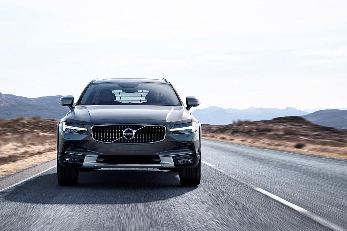 Volvo va presentar ahir l'esperadíssim V90 Cross Country, que completa la gamma de la seva sèrie 90