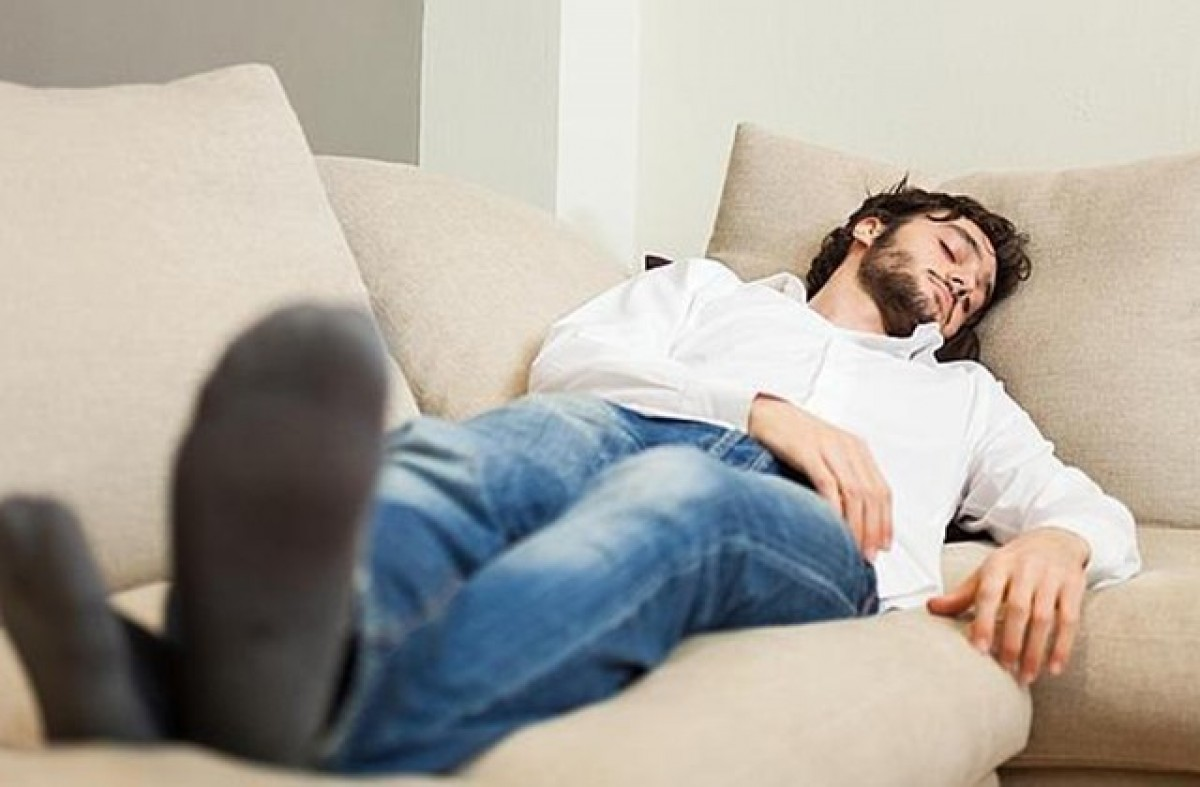 Dormir les hores que toquen ens pot ajudar a mantenir la línia