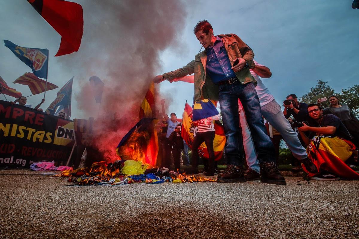 Crema d'estelades a l'acte ultra de Montjuïc