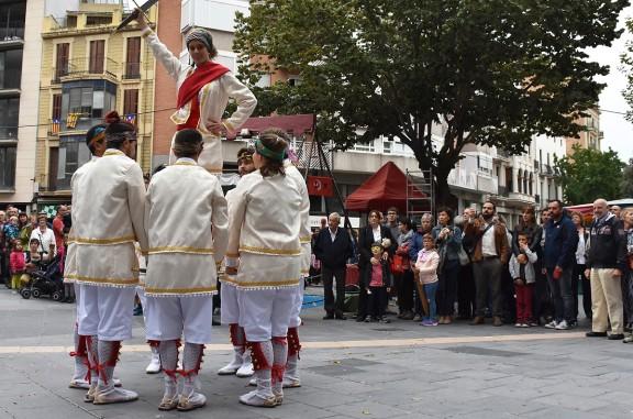 El seguici festiu de Cervera ocupa els carrers de Manresa