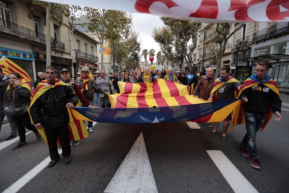 La manifestació pels carrers de Perpinyà