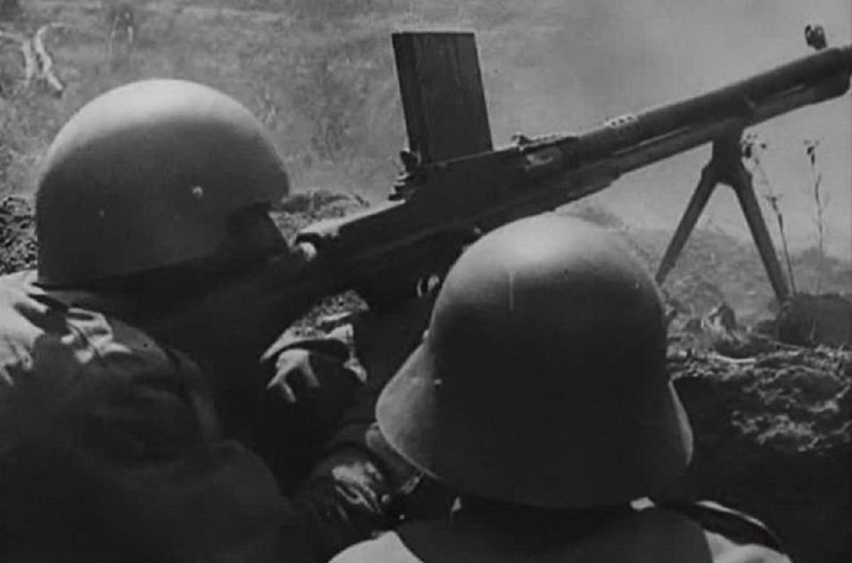 Imatge de dos soldats a la Batalla de l'Ebre
