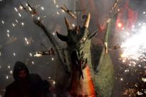 Terrassa s'omple dissabte de foc «tradicional» amb el Drac Baluk Astharot i els Diables de Ca n'Aurell