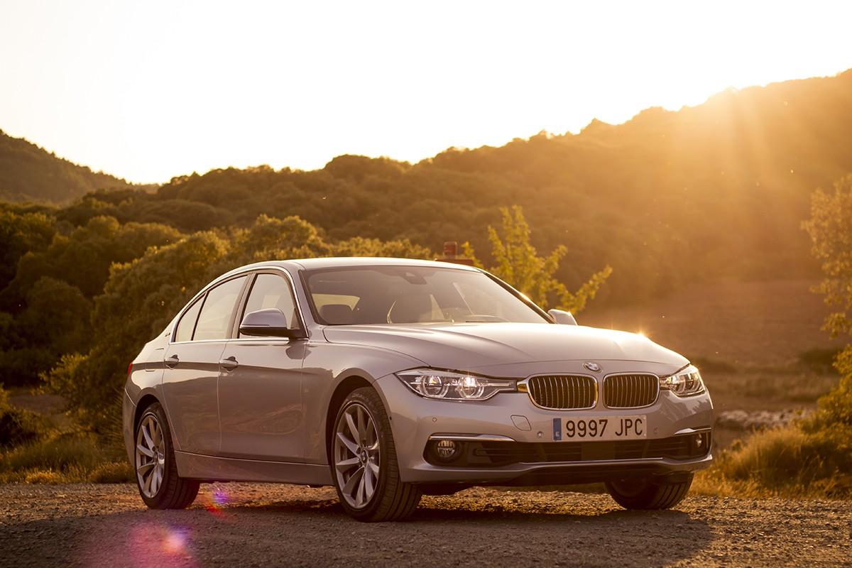 Els conceptes Híbrid i prèmium conviuen en el BMW 330e iPerformance