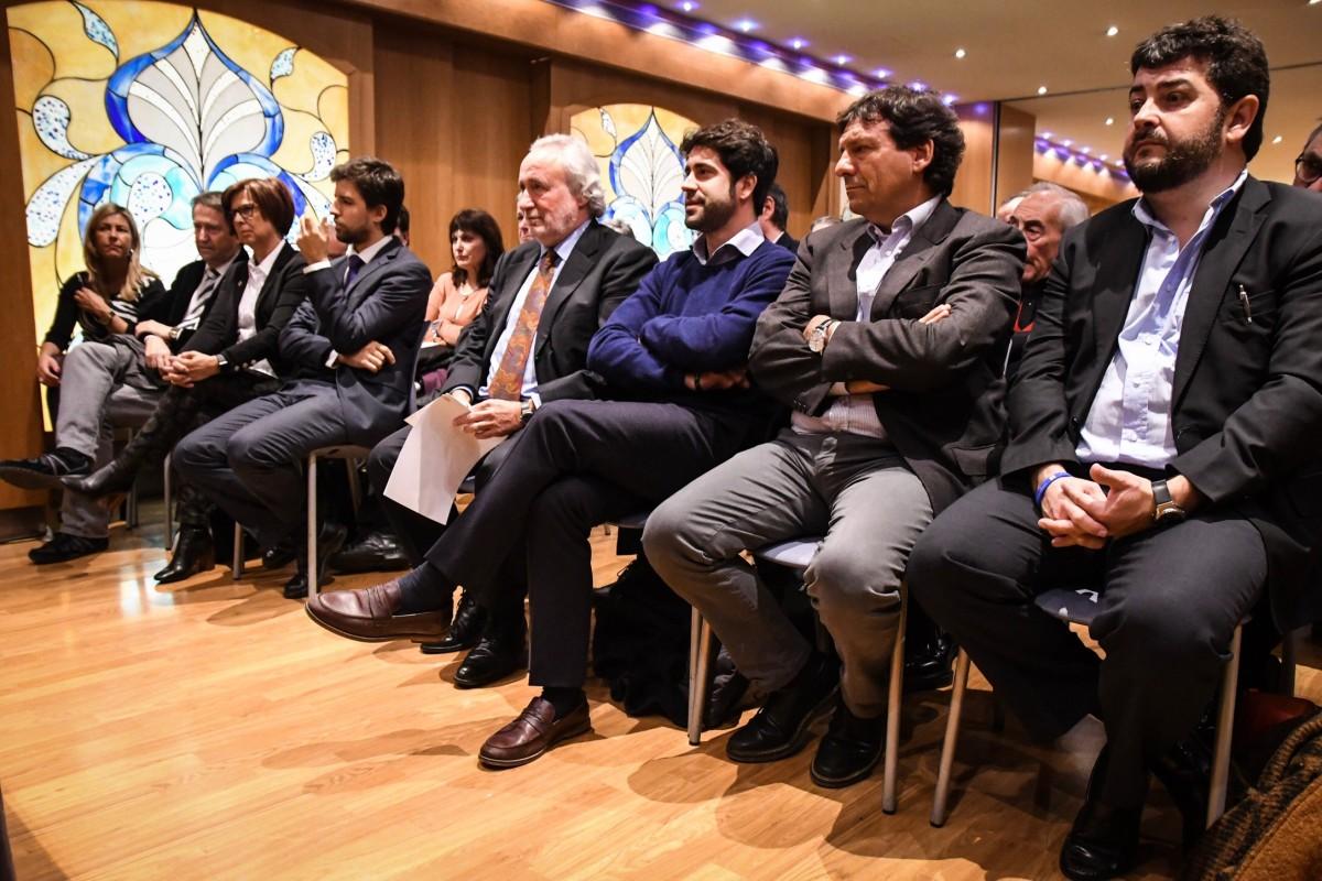 Fernández Teixidó i altres membres de Lliures en un acte del partit.
