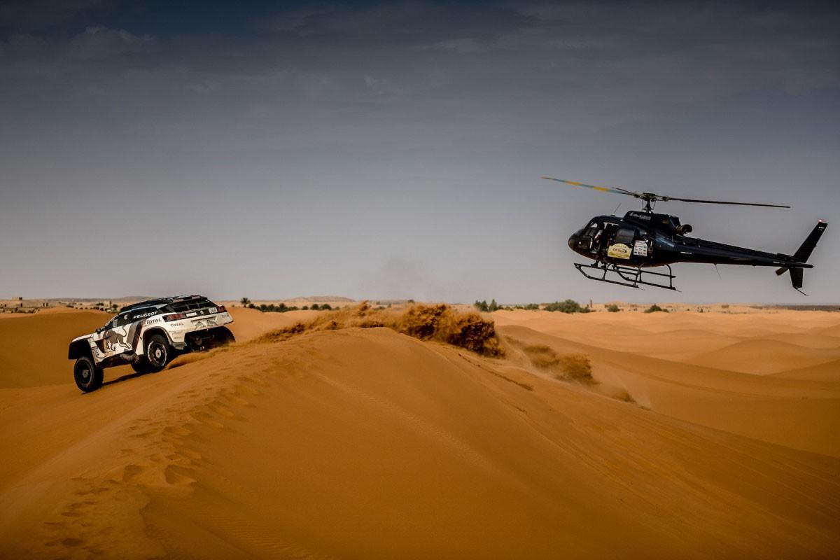 Vuit catalans pujaran al cotxe per competir al Dakar 2017