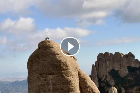 VÍDEO L'espectacular pilar dels Arreplegats al Cavall Bernat de Montserrat