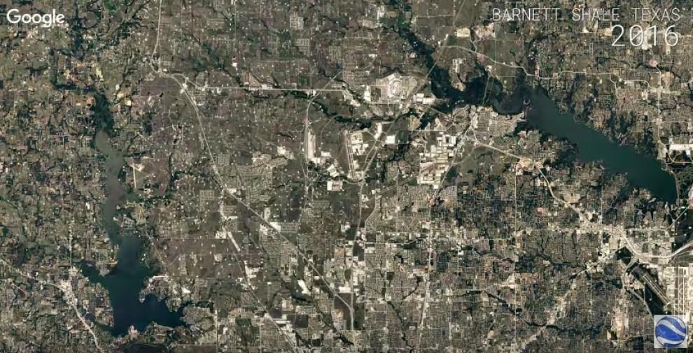 Un dels time-lapses de Google Earth, que mostra el creixement d'una ciutat.