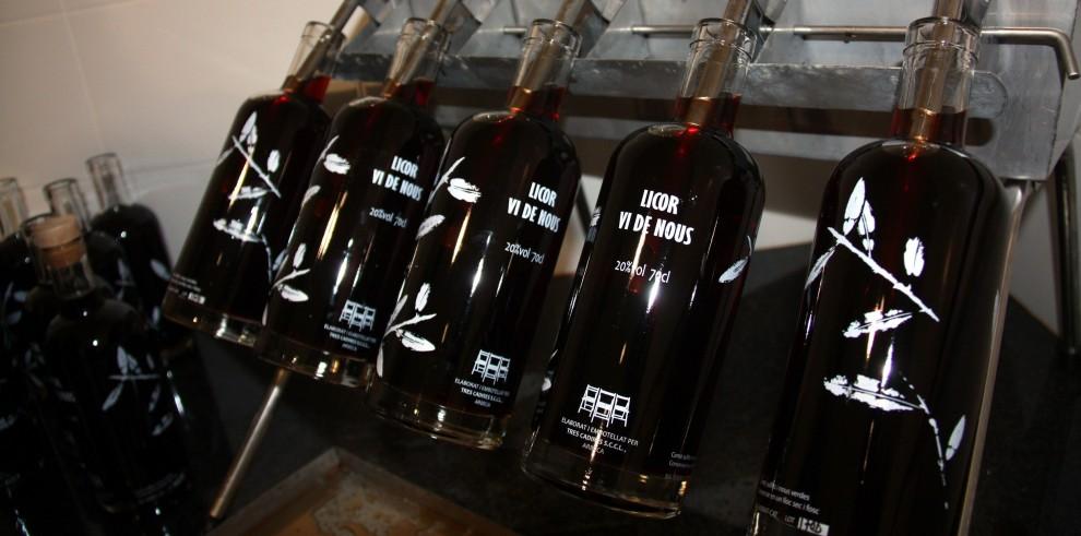 Ampolles del vi de nous