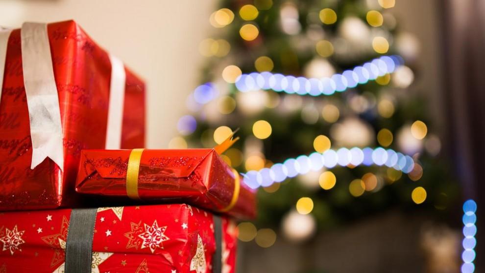 L'Ateneu organitza un taller per aprendre a embolicar regals