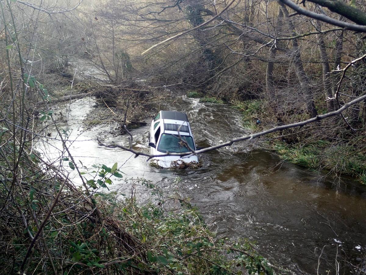 El cotxe del matrimoni desaparegut a l'Alt Empordà