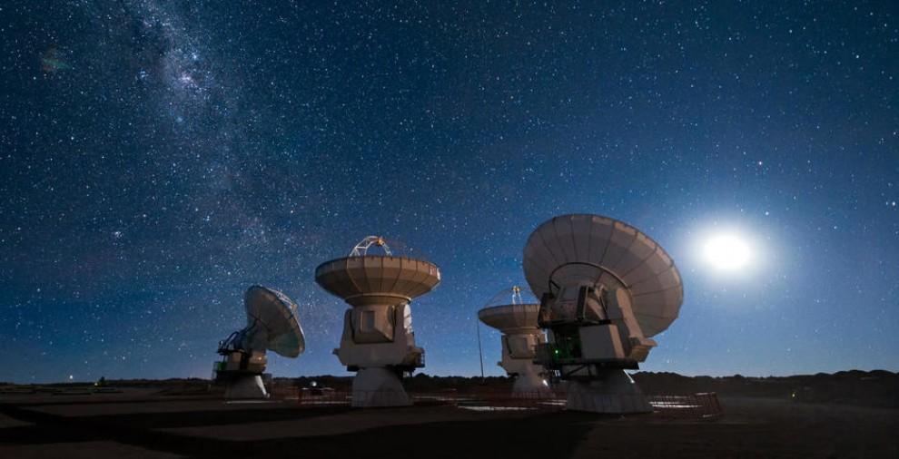 Els científics han pogut conèixer l'origen dels senyals gràcies a una potent xarxa de radiotelescopis.