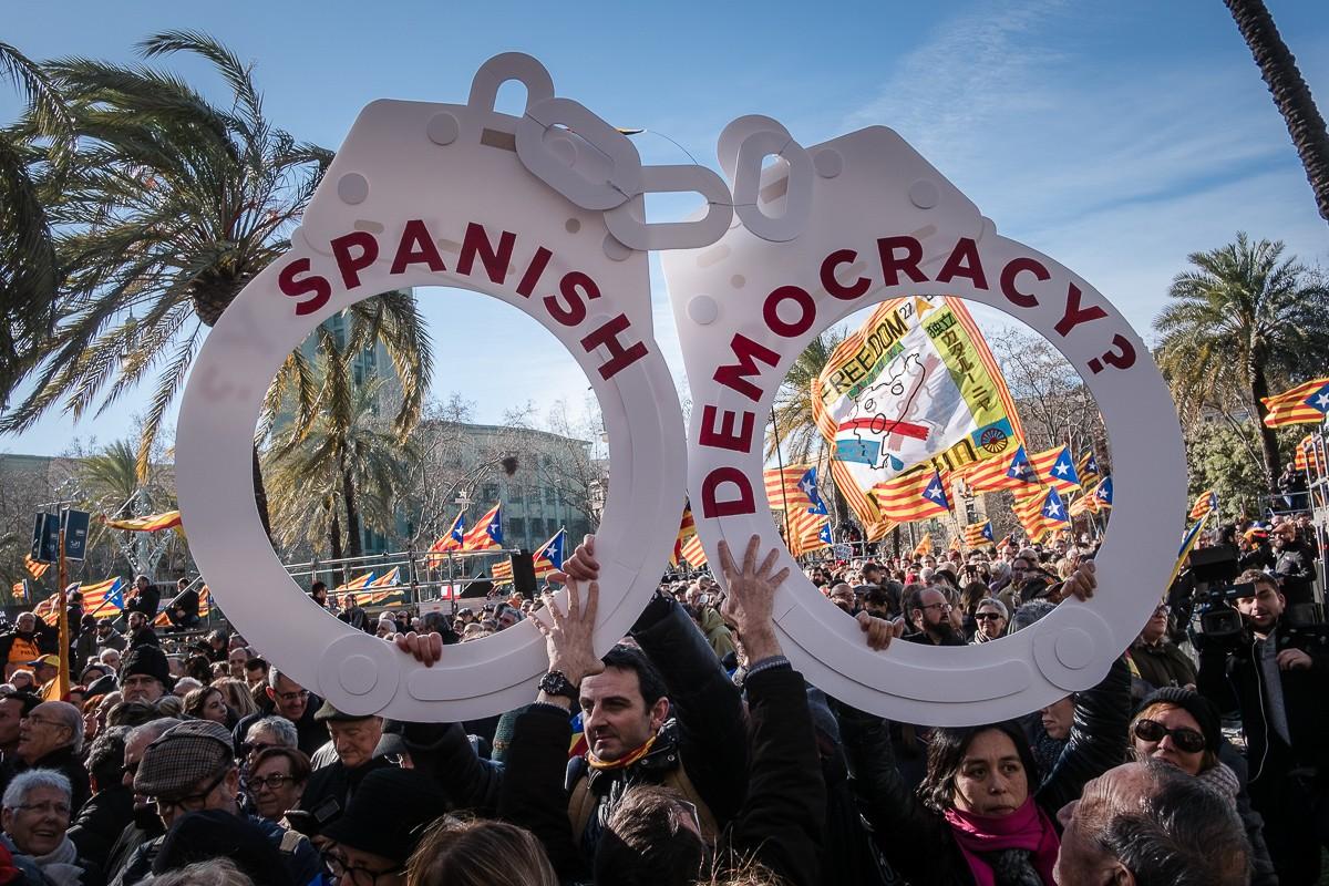 Manifestació de suport a Artur Mas, Joana Ortega i Irene Rigau